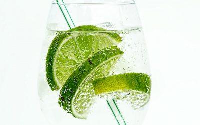 Ernährung: Trinken und Essen gegen die Hitze